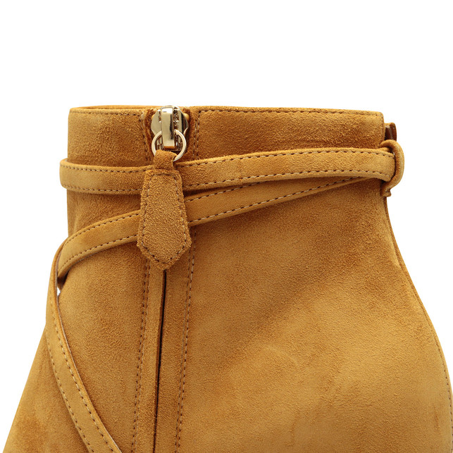 Ankle boots Photo 4