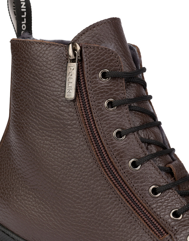 Wellington calfskin moose ankle boots with zipper Photo 6
