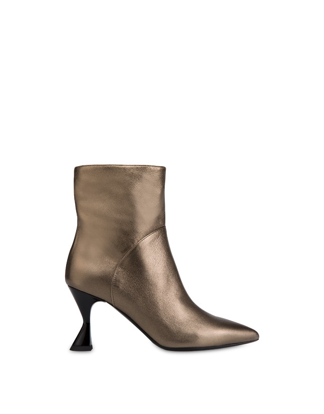 Soft Snowing laminated ankle boots Photo 1