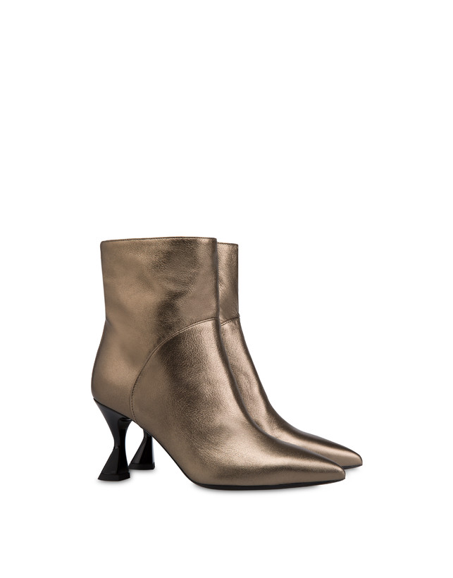Soft Snowing laminated ankle boots Photo 2