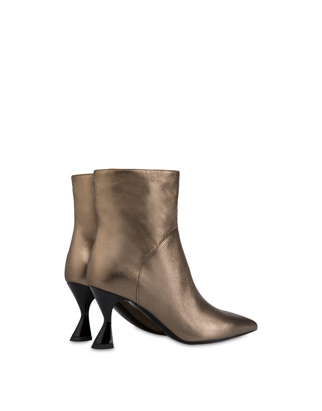 Soft Snowing laminated ankle boots Photo 3