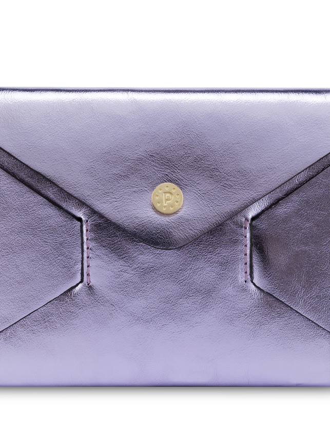 Mail pochette in laminated calfskin Photo 5