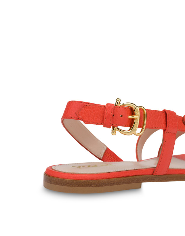 Buckle Notes flat sandals in patent leather Photo 5