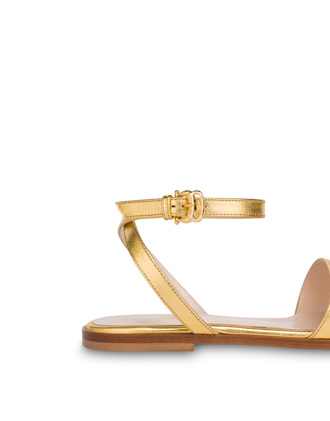Flat sandals in laminated nappa Photo 5