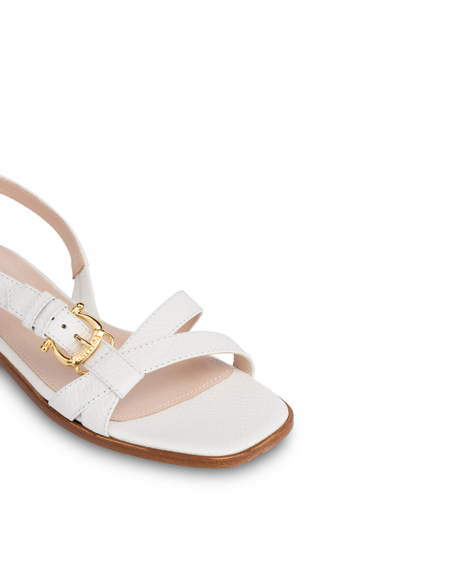 Buckle Notes flat sandals in patent leather Photo 4