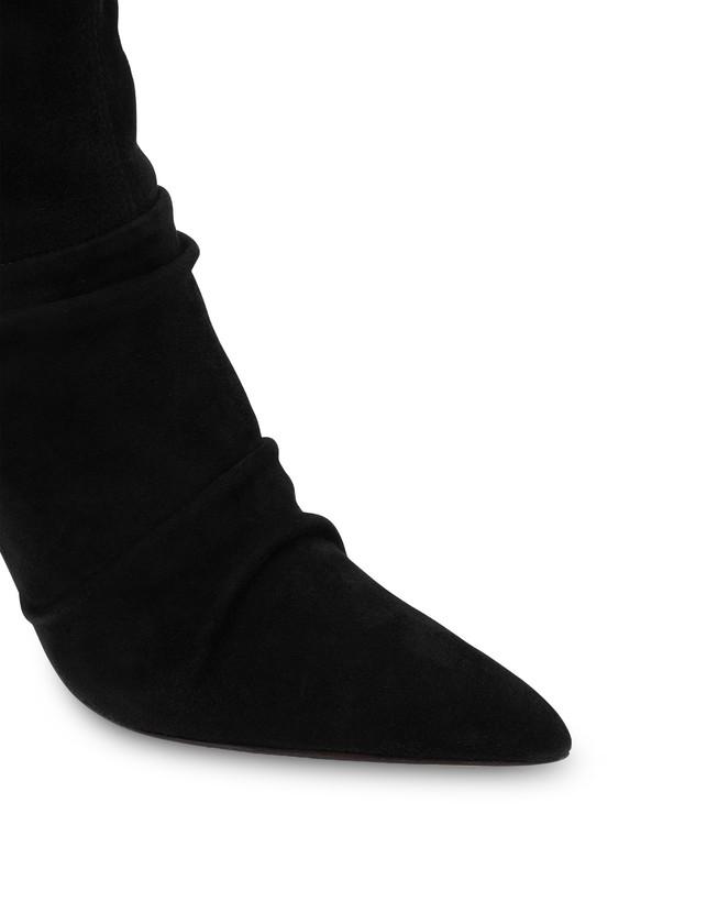 Plissé stretch suede ankle boots Photo 4