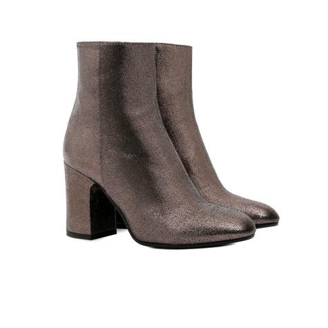 Low-cut boots