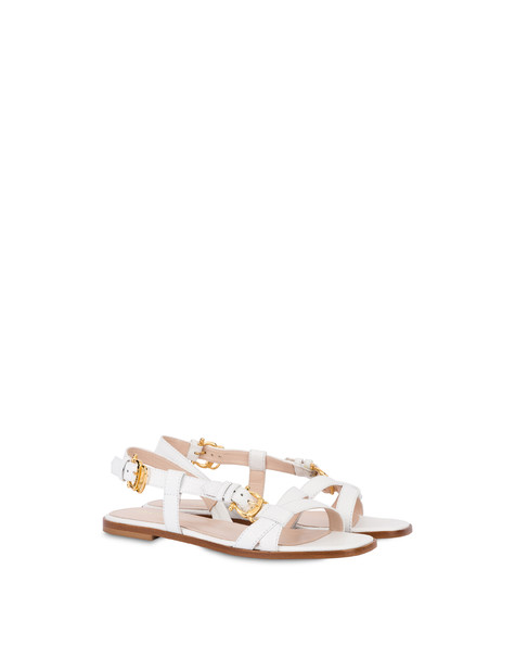 Flache Sandalen aus Lackleder Buckle Notes Weiß